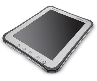 Pancerny tablet Panasonica z matowym ekranem