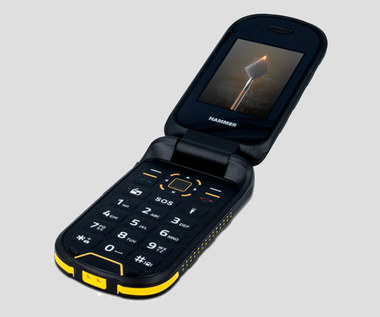 Pancerny telefon z klapką - Hammer BOW+