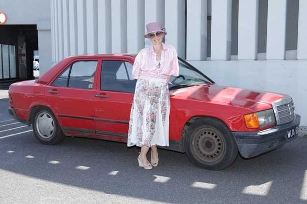 Pani Dagmara kupiła swojego mercedesa w Polsce, w maju 1985 roku /