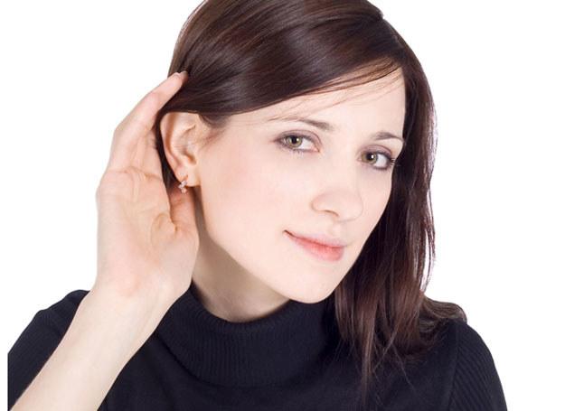 Pani Magda miała wrażenie, że ucho jest zatkane /© Panthermedia