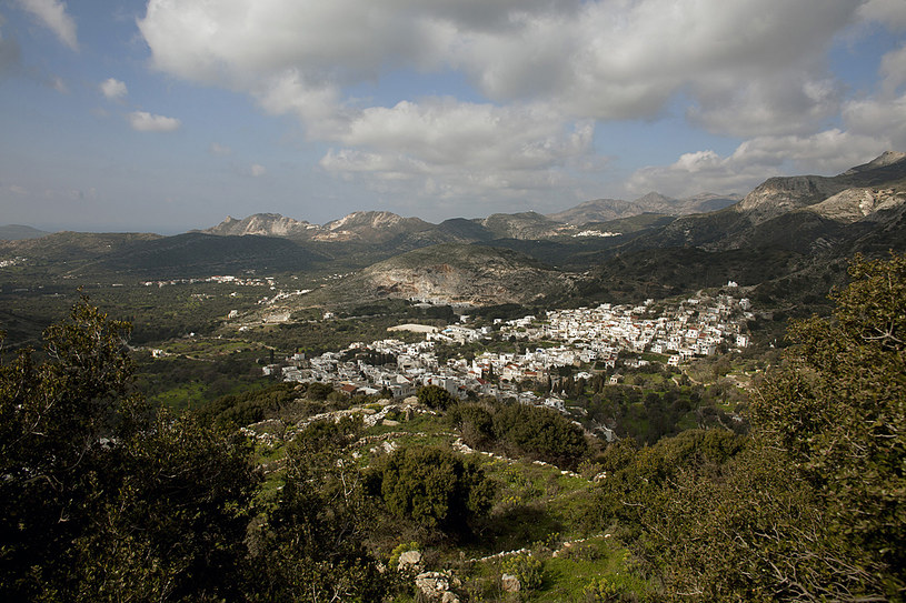 Panorama doliny wyspy Naksos,  w centrum miejscowość Filoti               fot. Eirini Vourloumis /The New York Times Syndicate