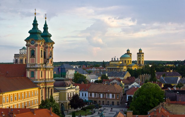 Panorama miasta Eger /123/RF PICSEL