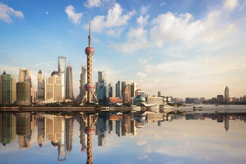 Panorama Szanghaju. Widok na Pudong – mekkę cyberpunkowców, opętańców nowoczesności, miłośników szybkości, wysokości i diodowego oświetlenia. /123RF/PICSEL