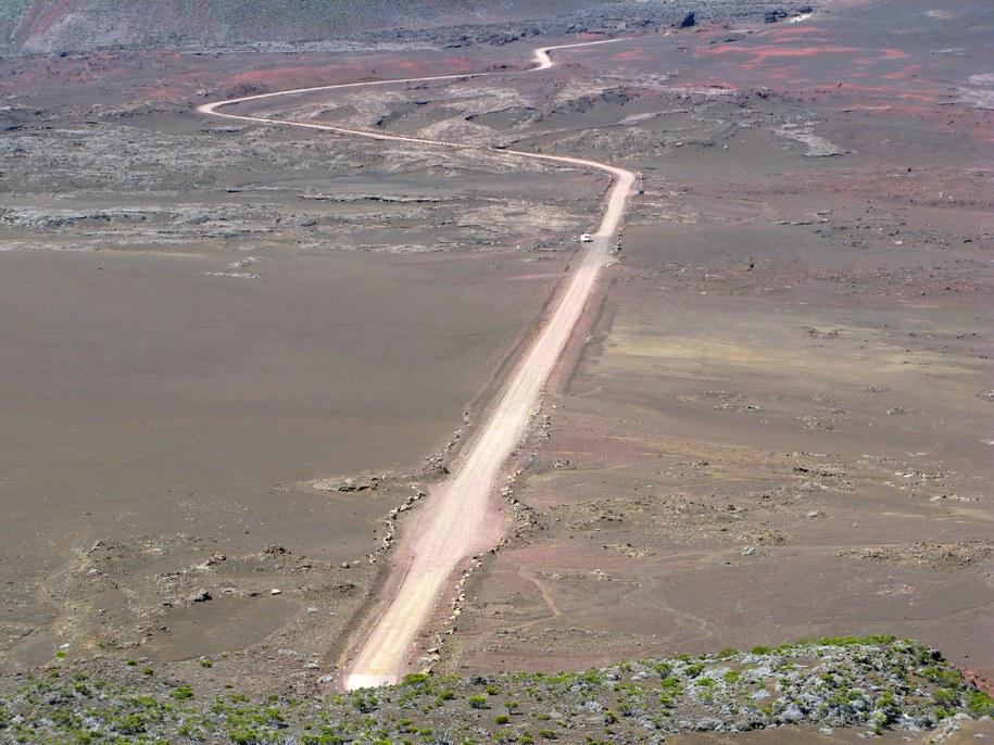 Panorama wyspy Reunion, na której Francuz zakończył wyprawę /PAP/DPA/Lars Halbauer /PAP