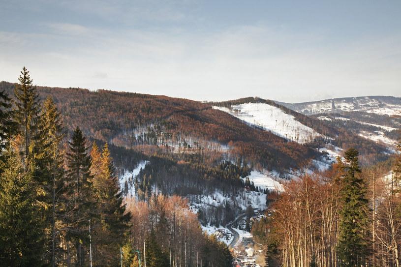Panoramiczny widok na Szczyrk /123RF/PICSEL