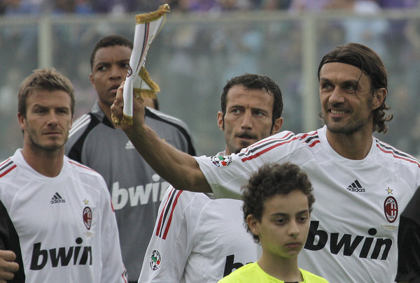Paolo Maldini (pierwszy z prawej) /AFP