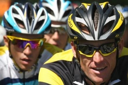 Papież Benedykt XVI pozdrowi uczestników Tour de France /AFP