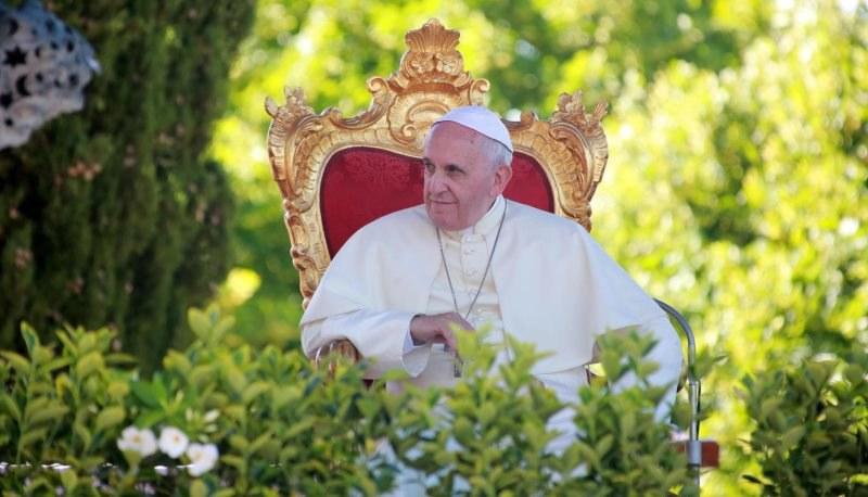 Papież był kiedyś zagorzałym kibicem piłki nożnej /NICOLA LANESE /PAP/EPA