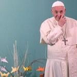 Papież: Czyny pedofilii rzuciły podejrzenia na całe duchowieństwo