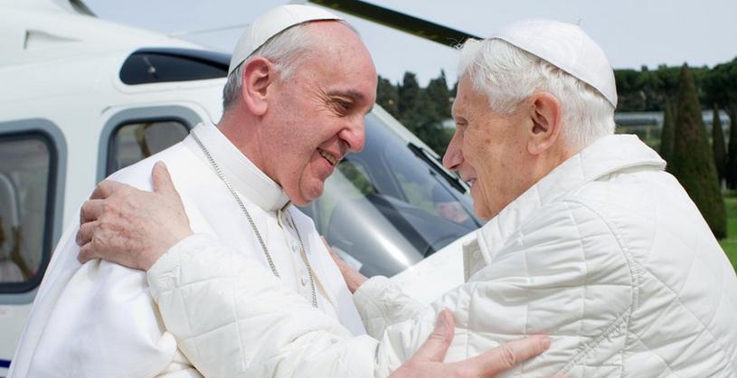 Papież Franciszek i Benedykt XVI /AFP