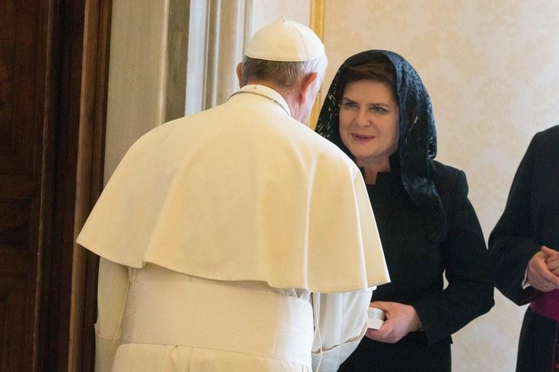 Papież Franciszek i premier Beata Szydło /Andrzej Lange /East News