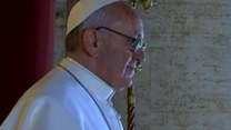 Papież Franciszek pokazał się na balkonie