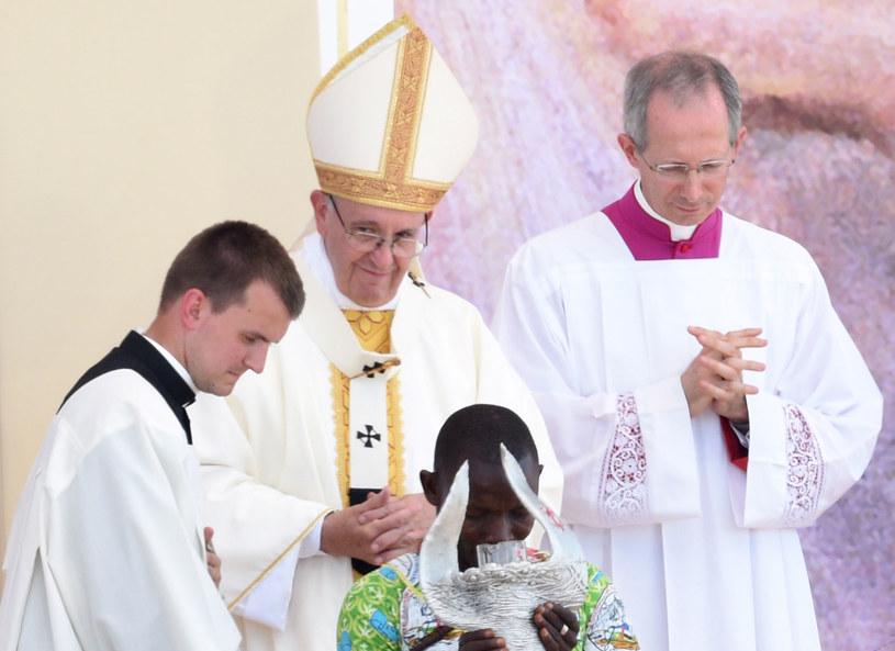 """Papież Franciszek: To było duchowe """"dotlenienie"""" /Jacek Turczyk /PAP"""