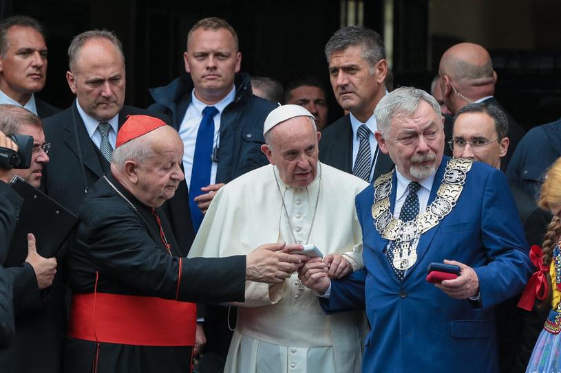 Papież Franiszek, kardynał Dziwisz i Jacek Majchrowski /Anna Kaczmarz, Polska Press /East News