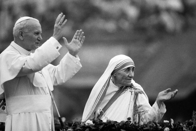 Papież Jan Paweł II i Matka Teresa z Kalkuty /AFP