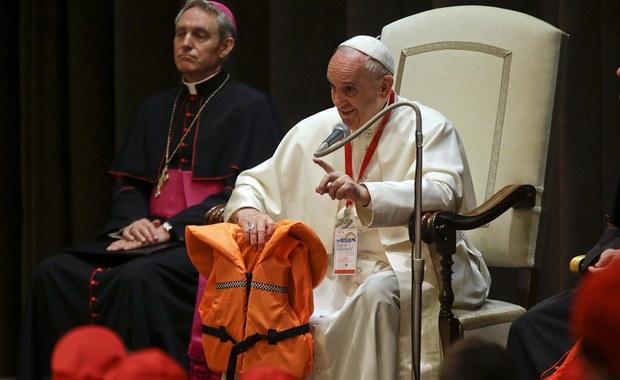 Papież o uchodźcach: Oni są w niebezpieczeństwie: tyle dzieci, mężczyzn, kobiet