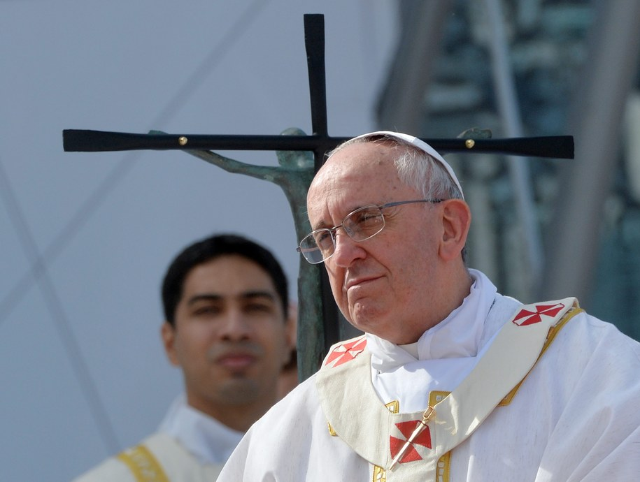 Papież ogłosił swoją decyzję na mszy na plaży Copacabana /LUCA ZENNARO /PAP/EPA