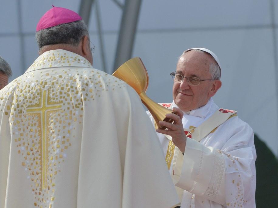 Papież ogłosił, że kolejne Światowe Dni Młodzieży odbędą się w Krakowie /LUCA ZENNARO /PAP/EPA