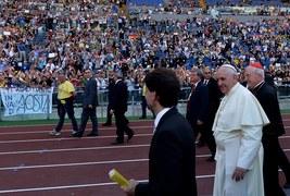 Papież spotkał się ze znanymi charyzmatykami