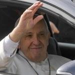 Papież świętuje imieniny. Rozdaje lody ubogim i bezdomnym