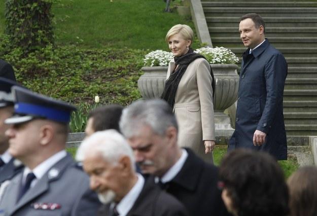 Para prezydencka w pałacowych ogrodach /Stefan Maszewski /Reporter