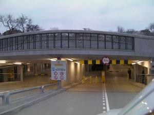 Parking koło Wawelu / kliknij