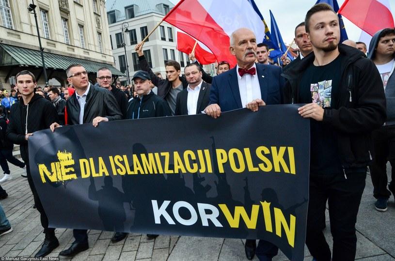Partia KORWiN protestuje przeciwko przyjmowaniu imigrantów przez Polskę /Mariusz Gaczyński /East News