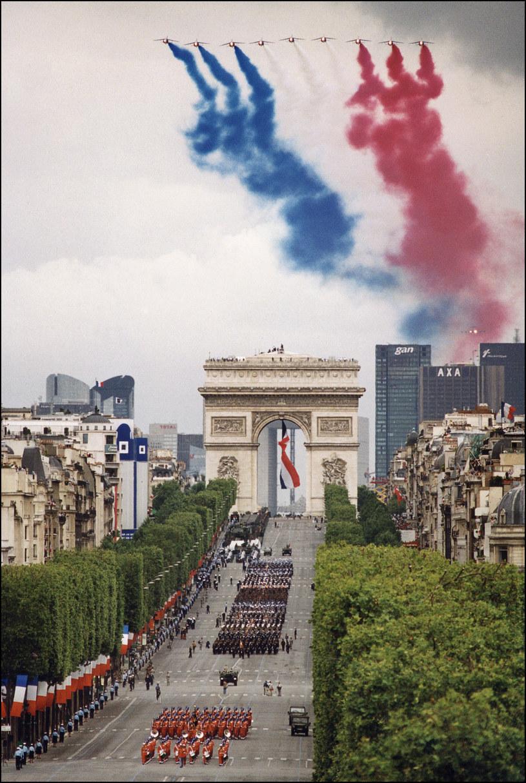 Paryż. Rocznica rewolucji 14 lipca 1789 r. - parada na Polach Elizejskich /AFP