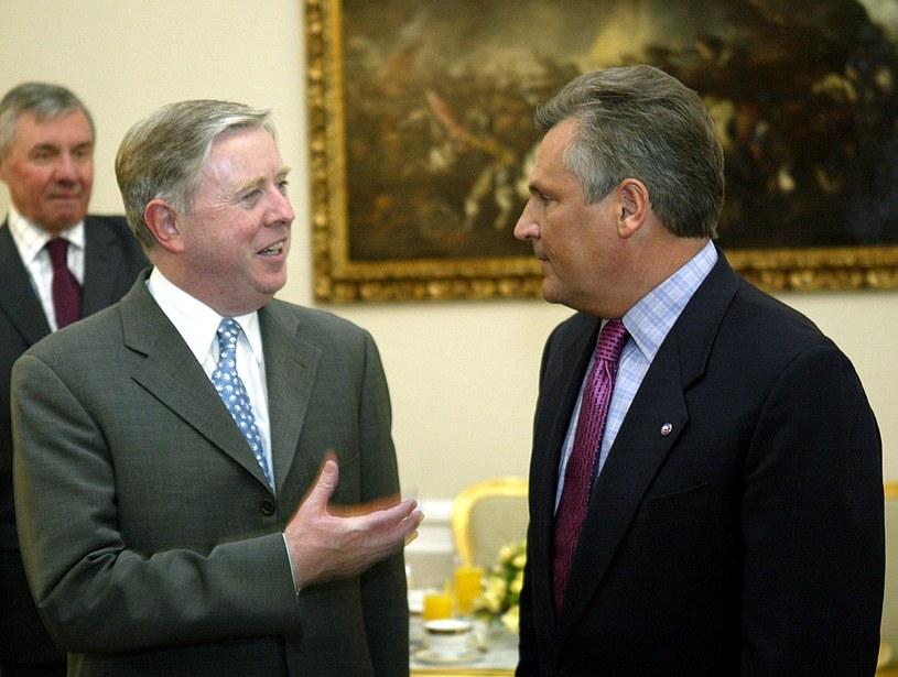 Pat Coks i Aleksander Kwaśniewski /AFP