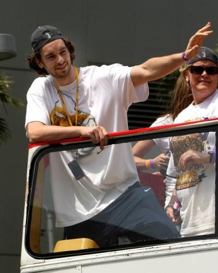 Pau Gasol to jedna z największych gwiazd koszykówki /AFP
