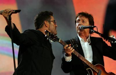 Paul McCartney w duecie z Georgem Michaelem podczas Live 8 /AFP