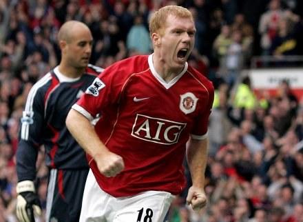 Paul Scholes nie mógł sobie wymarzyć lepszego jubileuszu. ManU-Liverpool 2:0 /AFP