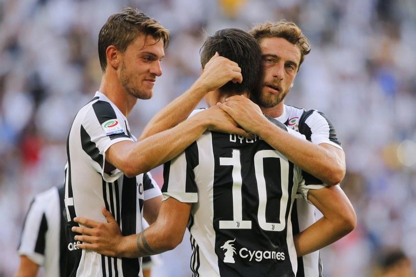 Paulo Dybala świętuje z kolegami zdobycie bramki /AFP