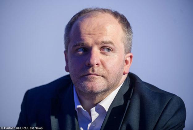 Paweł Kowal: Wzrosło napięcie pomiędzy instytucjami, które ze sobą walczą. A pretekstem do tego jest sprawa Polski /East News