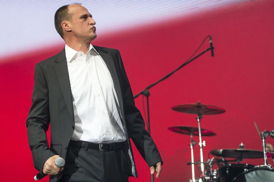 Paweł Kukiz, który swoją kampanię prezydencką oparł na kwestii wprowadzenia JOW-ów / Maciej Kulczyński    /PAP