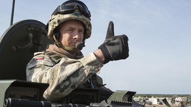 """Paweł Małaszyński na planie serialu """"Misja: Afganistan"""" /materiały prasowe"""
