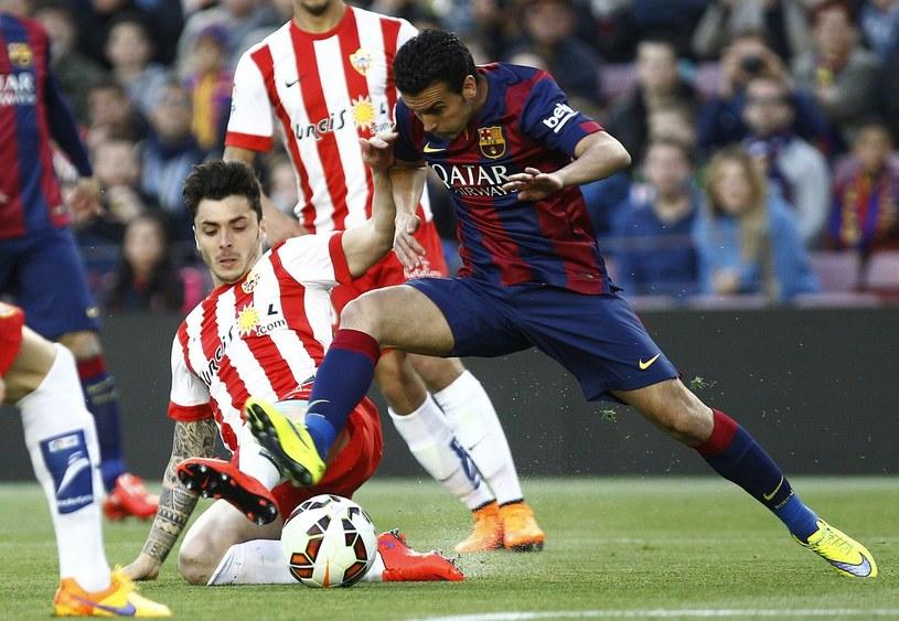 Pedro w trakcie ligowego boju z Almerią /AFP