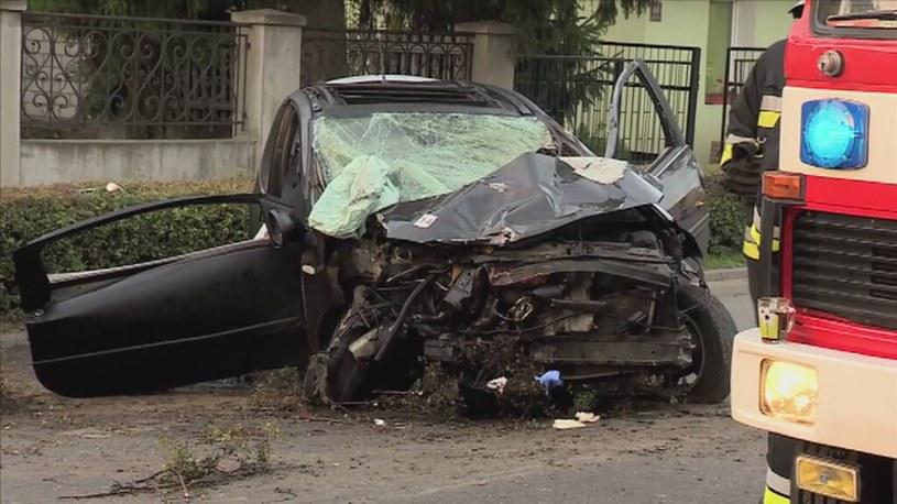 Pędził 140 km/h, zabił 3 osoby. Obrona proponuje 2 lata /TVN24/x-news