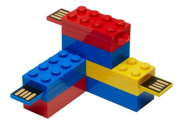 Pendrive z klocków LEGO /materiały prasowe