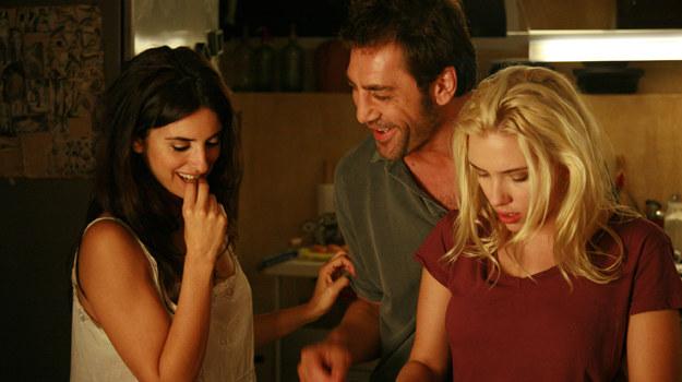 "Penelope Cruz, Javier Bardem i Scarlett Johansson w filmie ""Vicky, Cristina, Barcelona"" /fot  /materiały prasowe"