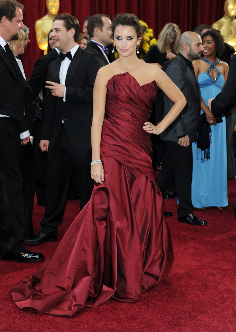 Penelope Cruz w sukni Donny Karan  /Getty Images/Flash Press Media