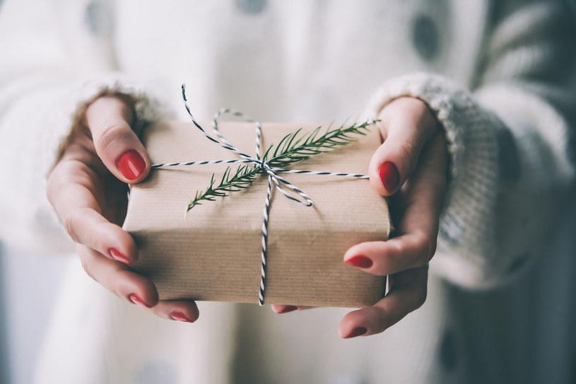 Perfumy to najbardziej uniwersalny prezent? /123RF/PICSEL