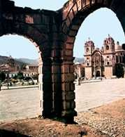 Peru, Cuzco, plac Broni /Encyklopedia Internautica