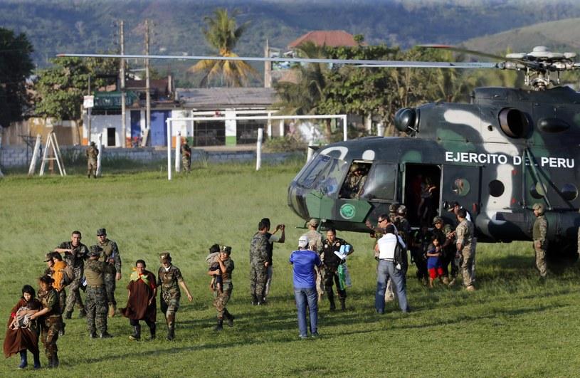 Peruwiańczycy odbici z rąk rebeliantów Świetlistego Szlaku /Luis Enrique Saldana /AFP
