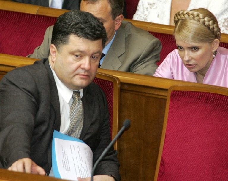 Petr Poroszenko i Julia Tymoszenko /AFP