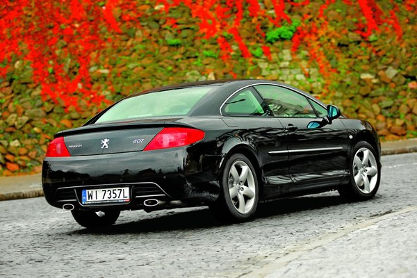 peugeot 407 coupe 3 0 hdi sport zdj 2 testy i opinie o samochodach. Black Bedroom Furniture Sets. Home Design Ideas
