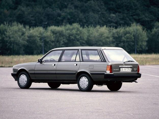 Peugeot 505 z dieslem Indenor 2.3 jest uwielbiany w Afryce. /Motor