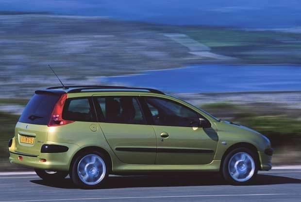 Peugeoty sprzedają się nieźle - wkrótce pojawi się nowa 206 SW / kliknij /INTERIA.PL