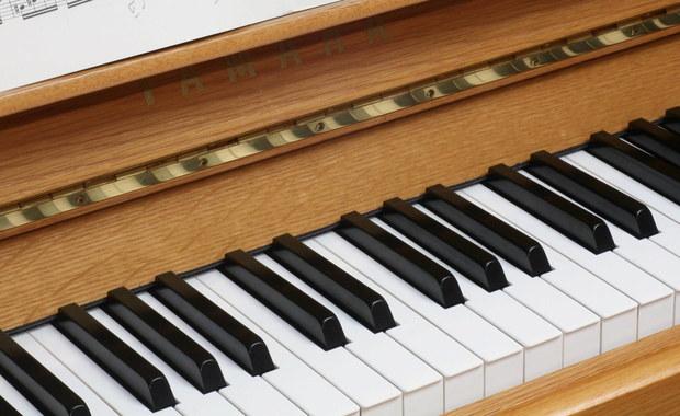 Pianino pełne złotych monet. Trwają poszukiwania właściciela pieniędzy