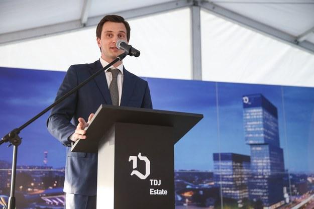 Piątym najbogatszym inwestorem GPW jest 32-letni Tomasz Domogała /Agencja SE/East News